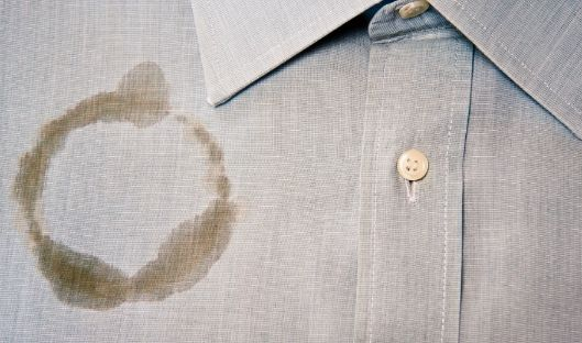 How to get out oil stain from clothes